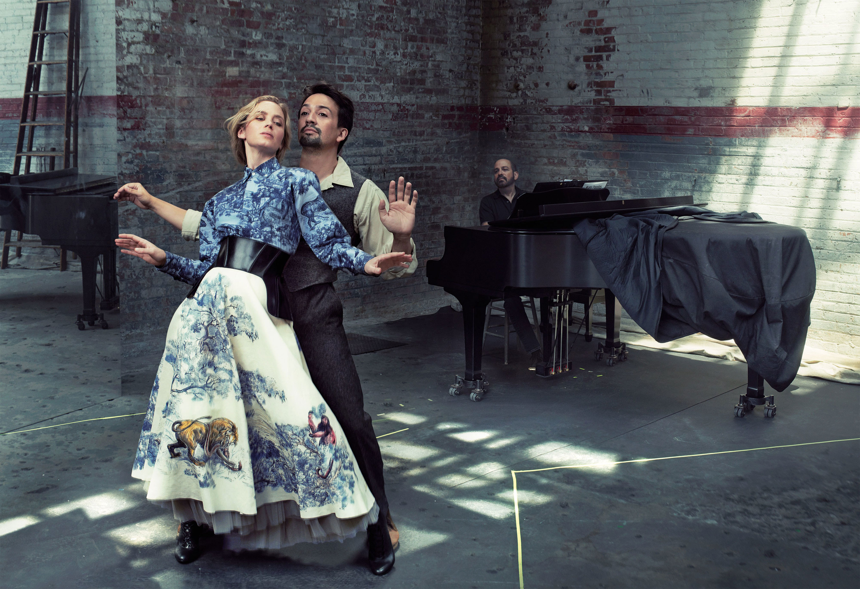 Vogue_December_2018_Mary_Poppins_Emily_Blunt_Lin_Manuel_Miranda_piano_web
